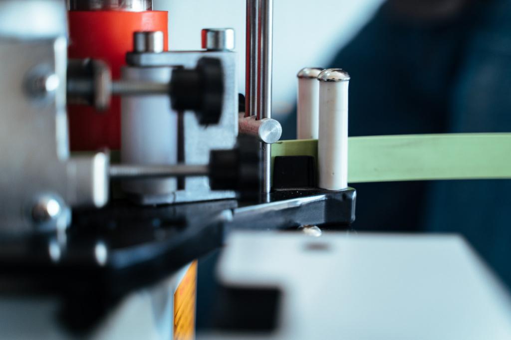 Автоматическая подача кромочного материала DM-100